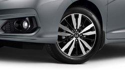 Voici les raisons pour lesquelles rouler l'été avec vos pneus d'hiver est mauvais!