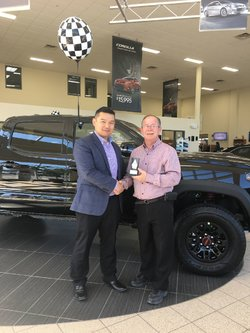 Pinnacle award for Roussel Toyota