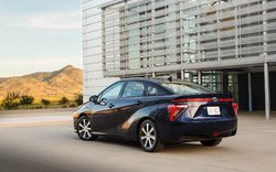 Découvrez la Mirai 2019, le véhicule électrique à hydrogène de Toyota!