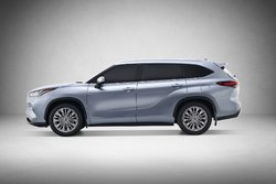 The new 2020 Toyota Highlander and its upcoming hybrid version