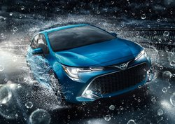 Buying or leasing a 2019 Toyota Corolla at Longueuil Toyota