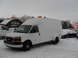 GMC Savana Commercial Cutaway 3500  2011