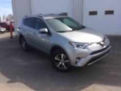 Toyota RAV4 XLE 4X4 TOIT  2016