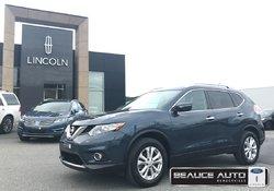 2015 Nissan Rogue SV / AWD / TOIT PANORAMIQUE / DÉMARREUR