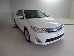 Toyota Camry Hybrid XLE  2014