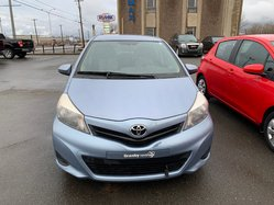 Toyota Yaris LE HB AC VITRES CRUISE  2013