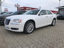 2011 Chrysler 300 AWD ac/gr/electrique volant en cuir regulateur de vitesse siege en cuir camera de recul 300C