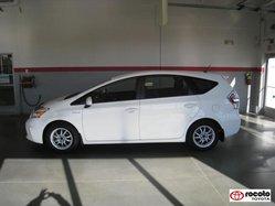 Toyota Prius Base  2012