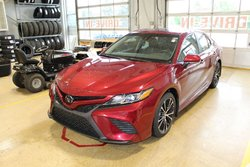 2018 Toyota Camry SE UP