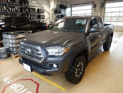 Toyota Tacoma 4x4 TRD Off road package  2016