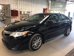 Toyota Camry LE NAVIGATION  2012