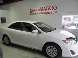 Toyota Camry LE, BLUETOOTH, A/C  2012