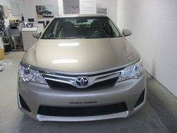 Toyota Camry ***LE, BAS KILOMETRAGE  2014