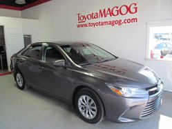 Toyota Camry LE (SEULEMENT 32362 KM)  2015