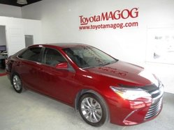 Toyota Camry XLE, TOIT, MAGS, NAV,  2016
