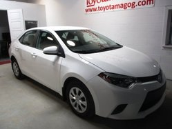 Toyota Corolla LE, automatique,  2014
