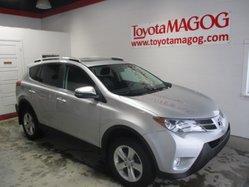 Toyota RAV4 XLE, toit, mags, bluetooth  2013