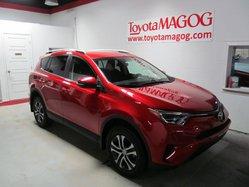 2016 Toyota RAV4 LE (SEULEMENT 8906 KM)