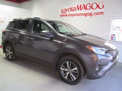Toyota RAV4 XLE 4X4 TOIT MAG  2016