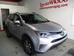 Toyota RAV4 LE, garantie jusqu en 2020  2016