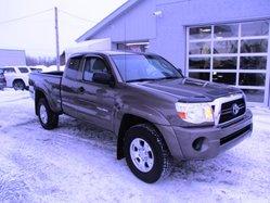 Toyota Tacoma ***SR5. 4X4,  2011