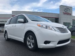 Toyota Sienna LE  2017