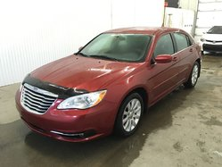 Chrysler 200 Touring V6 A/C MAGS  2012
