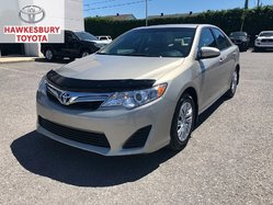 2014 Toyota Camry LE 4CYL WITH LOW KMS WOW