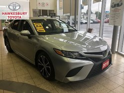 2018 Toyota Camry SE UPGRADE PKG WITH LEATHER AND ROOF