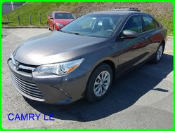 Toyota Camry LE CAMERA RECUL BAS MILLAGE  2015
