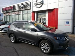 Nissan Rogue SV AWD 4X4 TOIT PANO ROOF  2017