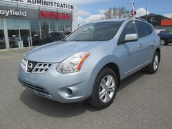 Nissan Rogue SV **Bas Millages**  2013