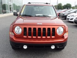 Jeep Patriot SPORT FWD NORTH MAGS FOGS AC  EQUIPEMENT COMPLET  2012