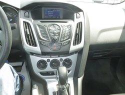 Ford Focus SE  2013