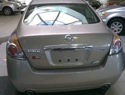 Nissan Altima -  2012