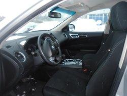 Nissan Pathfinder SV 4WD RCAM  2016