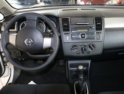 2010 Nissan Versa S H.B.
