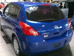 2010 Nissan Versa H.B.