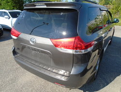 Toyota Sienna LE 7PASS  2011