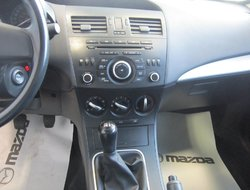 2013 Mazda Mazda3 GX * A/C * 0 ACCIDENT * TRÈS BEAU !!!