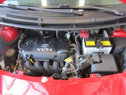 2010 Toyota Yaris LE ( AUTO * A/C * TRÈS BEAU )