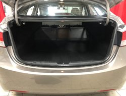 Hyundai Elantra GLS **BAS KILOS-PNEUS NEUFS**