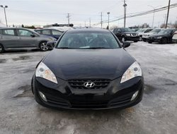 Hyundai Genesis Coupe 2.0T Premium  2011