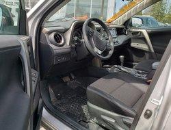 Toyota RAV4 LE, AWD, jamais accidenté, un bijoux  2015