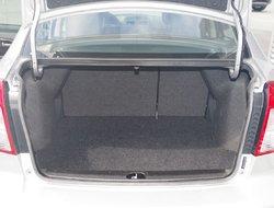 Suzuki SX4 sedan Sport *Navi.  Manuel 6 vitesses  2013