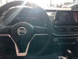 2019 Nissan Altima Platinum  edition one