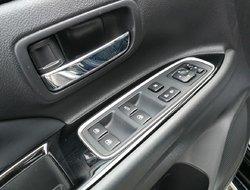 Mitsubishi OUTLANDER PHEV SE  2018