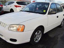 2000 Hyundai AENT  ONLY 104,000 KM'S!