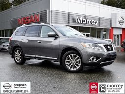 2016 Nissan Pathfinder SL 4WD * Leather, Backup Camera, Hitch, Bluetooth! Local BC Vehicle, One Owner, No Collisions!