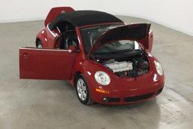 Volkswagen New Beetle Convertible 2.5L Comfortline Cuir Noir/Toit Noir* 2007